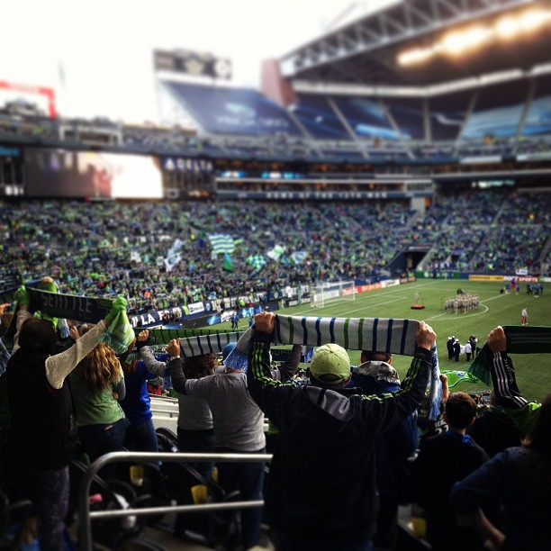 seattle sounders game scarves up